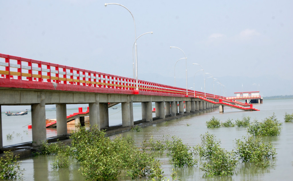 Construction of 550.00m long RCC Jetty on the Naf river, Teknaf, Bangladesh.